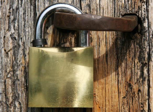 Varstvo osebnih podatkov in varovanje zasebnosti