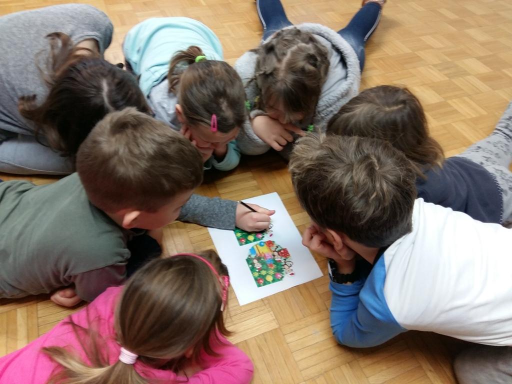Socialne igre s knjigo v Knjižnici Ivančna Gorica (foto Nives Medved)